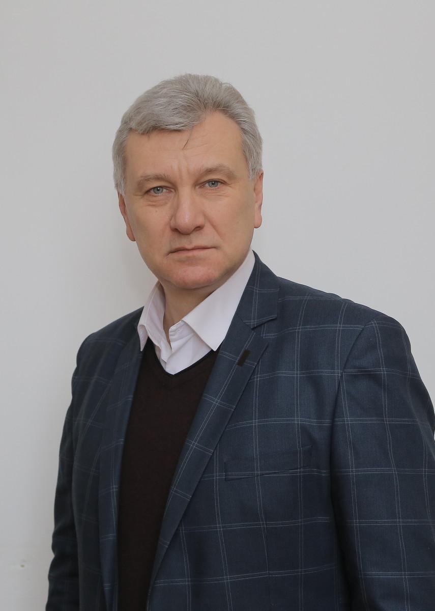 Щиро вітаємо з ювілеєм завідувача відділу  нетрадиційних енерготехнологій Олега Вікторовича Кравченка!