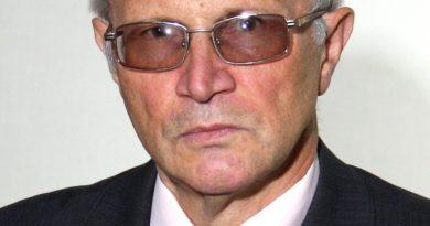 Провідному науковому співробітнику відділу вібраційних і термоміцнісних досліджень ІПМаш НАН України Б. П. Зайцеву призначено обласну іменну стипендію